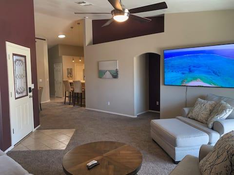 Bullhead City 3 Bedroom!  Private Launch, & Beach!