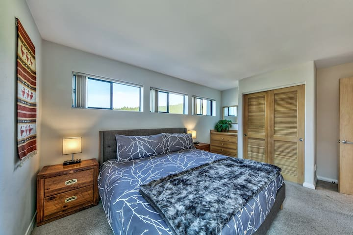 upstairs master 2 with king size bed.