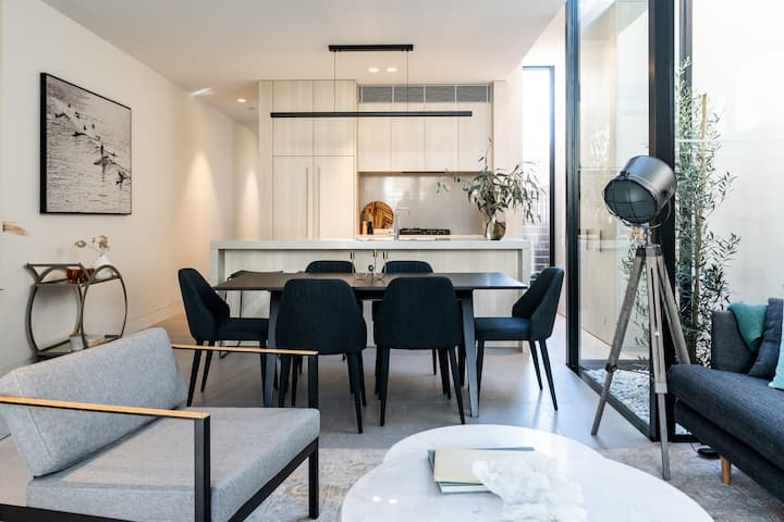 Luxury private escape in the heart of Manly