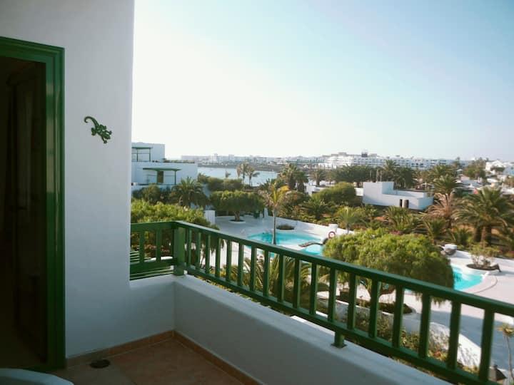 Apartamento con vistas en la playa de Las Cucharas