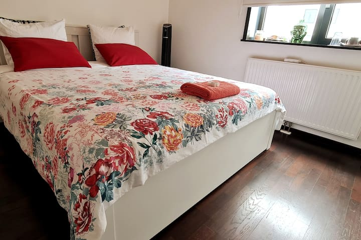 The bed  is layered with 26 inch super cozy mattress. Towels and toiletries are included.