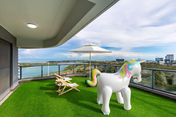 【麻将室、投影、泳池】近银滩双露台复式海景四房