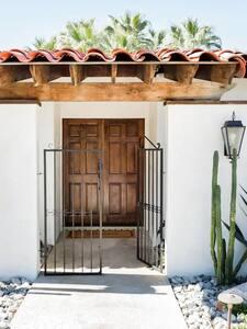 Entrance to Hacienda Viquero