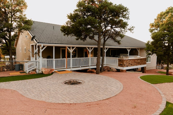 Hillcrest Haven The Ultimate FAMILY Getaway