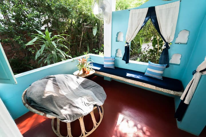 Oma Room · Oma Room (Garden View)