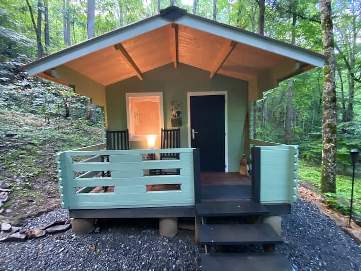 Hope in the Woods - A different Airbnb experience!