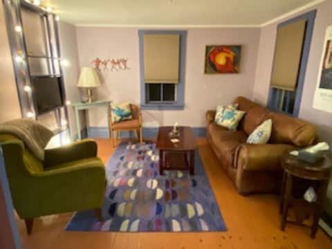 Entire Eastport Condo cleaned & sanitized sleeps 4
