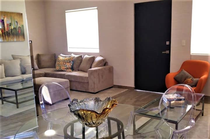 Huasteca Mty, Cozy for 2 , 50 % Alberca, 2 beds