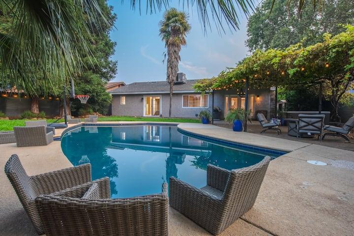 Chico Pool House: Hot Tub, Pool, Fun, Staycation