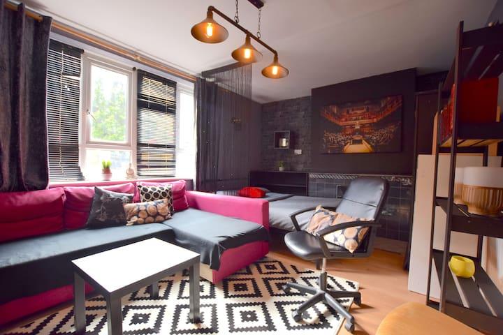 - Budget double room w/TV & garden