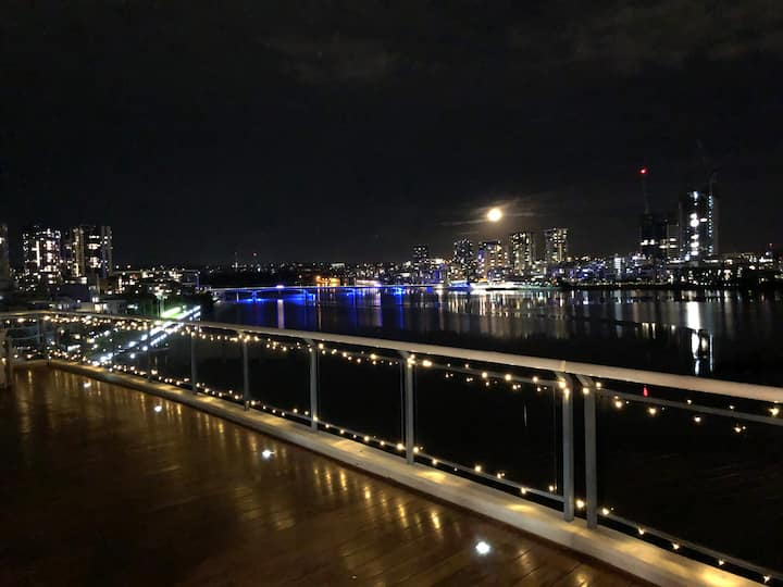 Penthouse 180° waterview Sydney Olympic Park