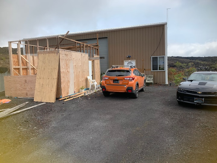 Plant Science facility W/townhouse in HAWAI'I.