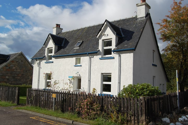 Period cottage in the heart of Glencoe village