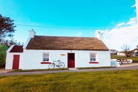 Hughie Anne's Thatched Cottage