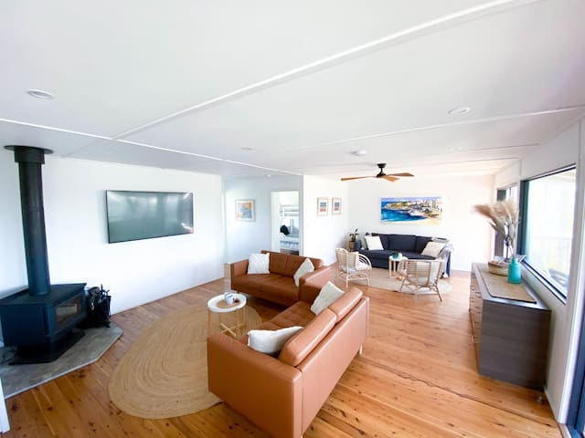 Stylishly furnished with large smart TV and Fireplace