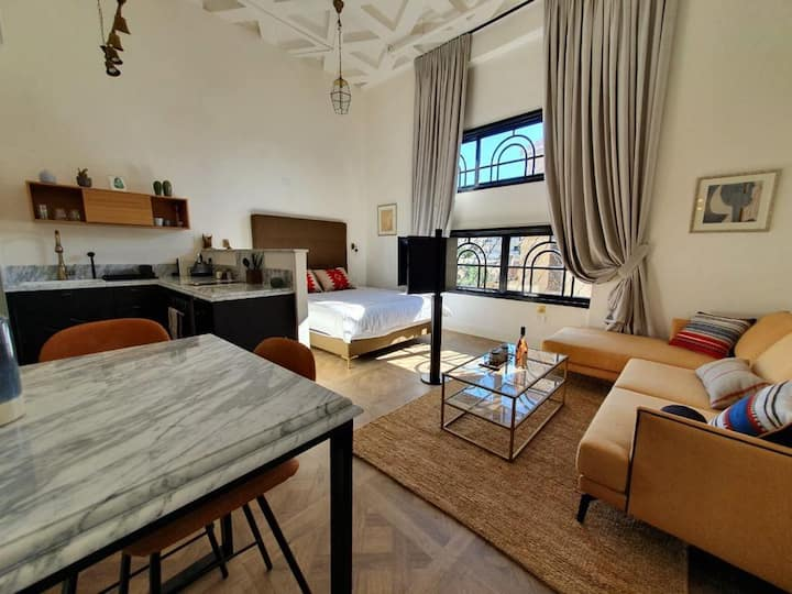 Luxury long term Suite next to OLD Jaffa