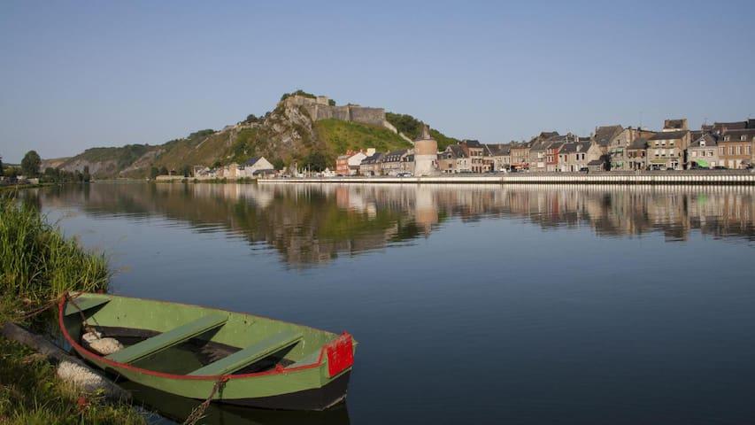 Pavillon individuel en bordure de Meuse