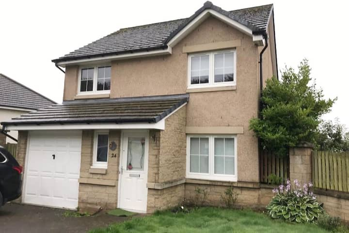 Entire 3BDR house in Dunfermline, Fife with Garden