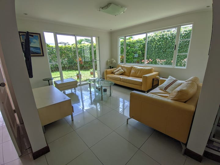 Lily's Gated Community House - Escazu