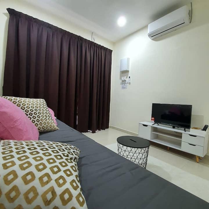 Homestay Angah, Kuantan | Netflix + Wifi + aircond