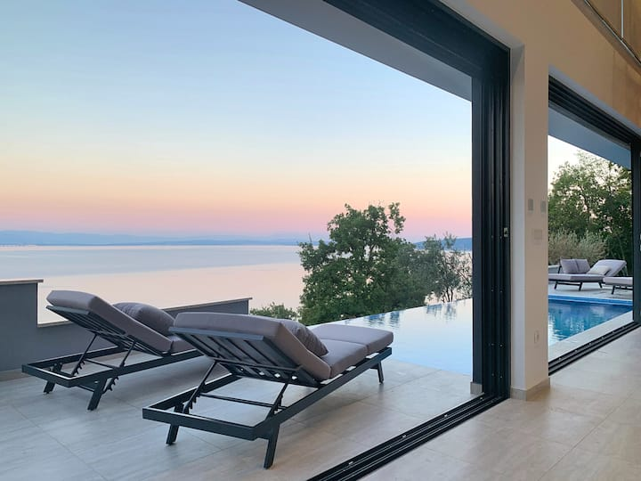 Casa privata con piscina - Sky Pool Villa MEDVEJA