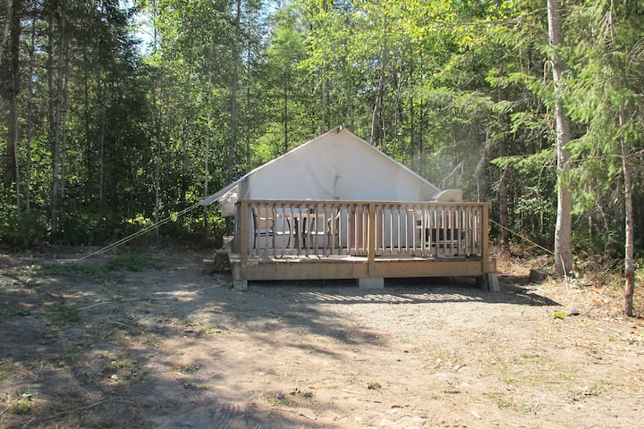 Glamping Pioneer Wall Tent with Mountain View