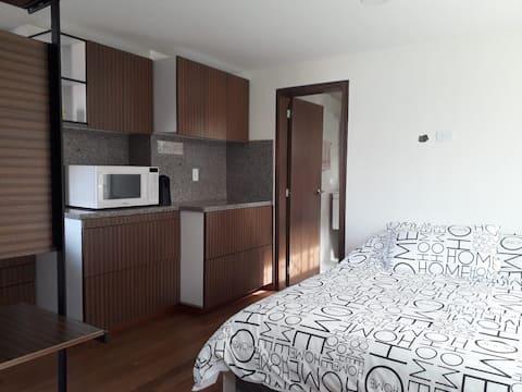Habitación independiente en casa familiar-Bogotá