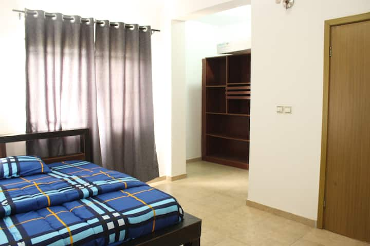 Comfy Room in Lekki Phase 1 with 247 power