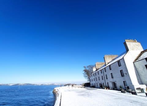Idylic Seaside Cottage In The North Of Edinburgh