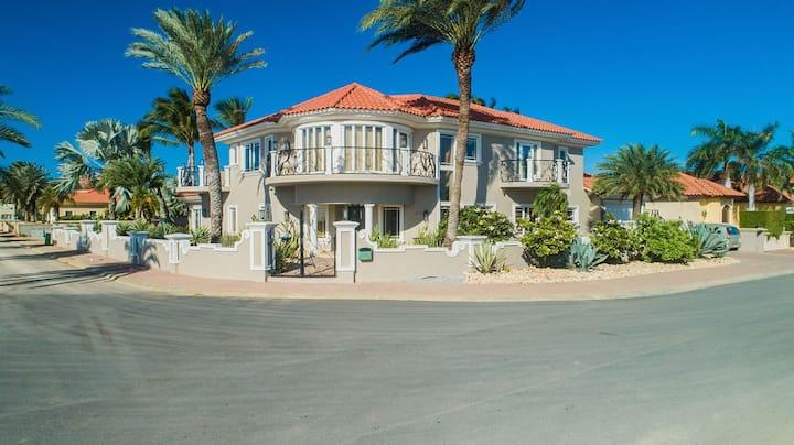 Luxury 4BR4BA Villa w/ HotTub, Pool, & Ocean Views