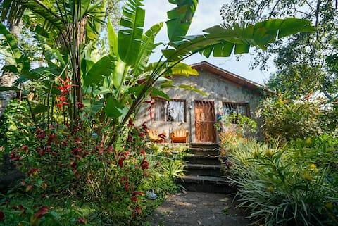 Casa Maya Stone Cottage & Kitchen at Lake Atitlán