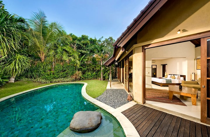 Hidden Gem 4 Private Pool Villa with Jacuzzi