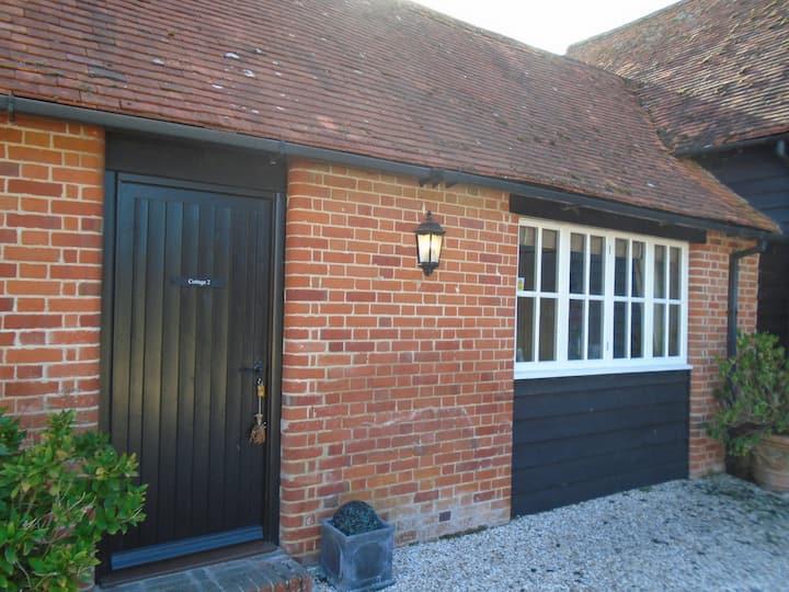 Romantic  Cottage 2, Tennis Court & Airstrip (PPR)