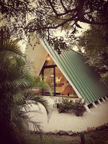 a-frame bungalow unique in Costa Rica of 50m²
