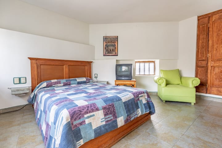 Suite very comfortable, in the heart of Down Town!