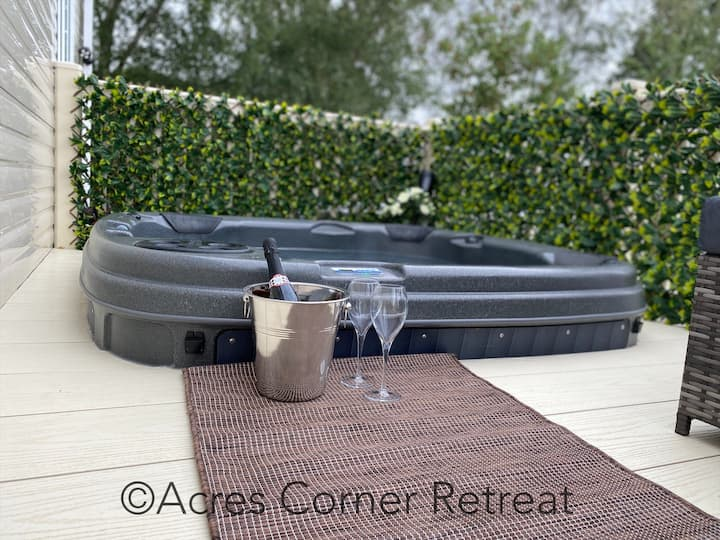 Acres Corner Retreat inc Hot tubTattershall Lakes