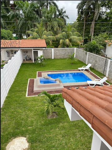 Private pool,  jacuzzi 900 mts away from the beach