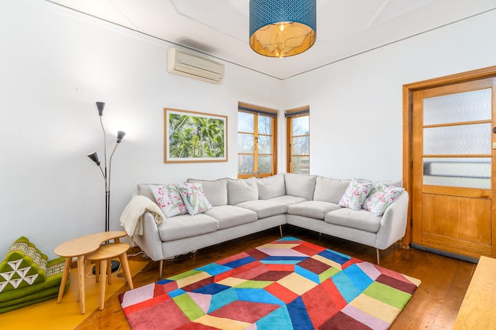 Cosy Ainslie Heritage Cottage 1BR/1.5 BA