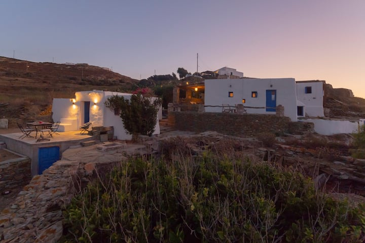 ⨳Traditional⨳ Cycladic 4B Villa – Complete Seaview