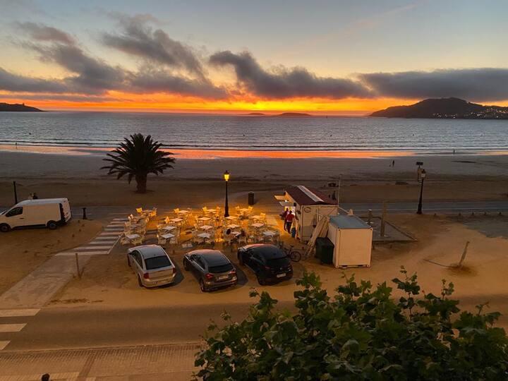Primera Linea Playa America  Jardin y Calefaccion