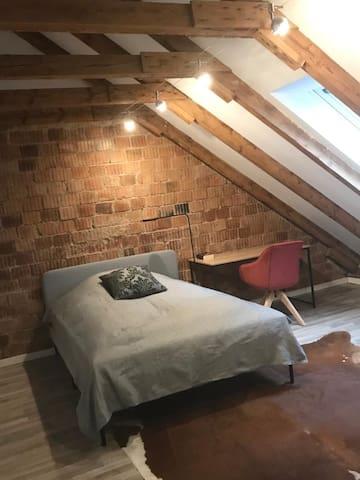 Loft 90m² im Dachgeschoss Hannover, Stedebrink