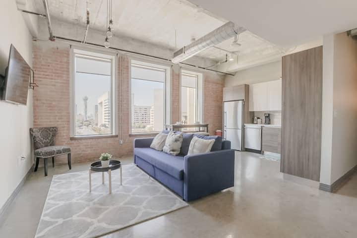Dallas Loft with Best Views of Downtown+Free Valet