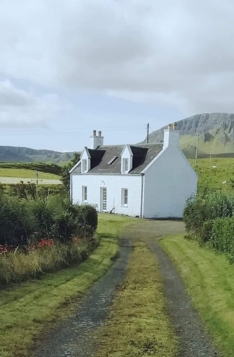 Traditional Croft Cottage for four.