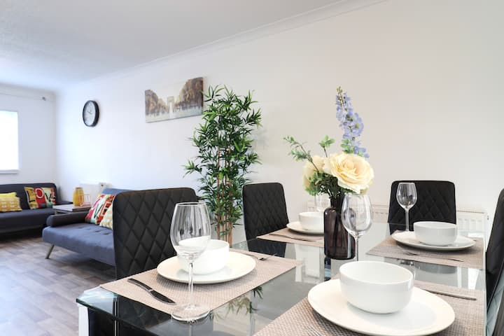 Bright Home in the Heart of Stevenage