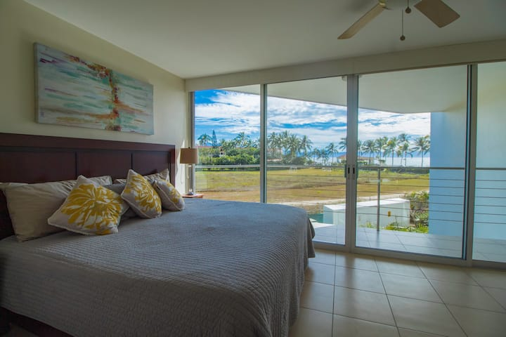 Oceanview Condo*3 Levels* New Reno*Full Amenities