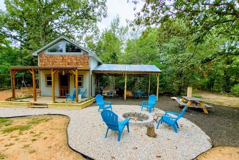 Ultimate Getaway Cottage & Outdoor Recreation