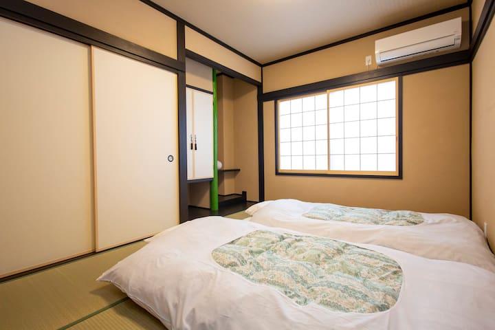 <2人部屋>駅前徒歩2分、阿智村30分、馬籠15分、創業120年の老舗旅館フルリノベ