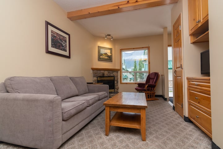 Mtn view,  10min2 Banff+Canmore, 2BR, free parkn'★