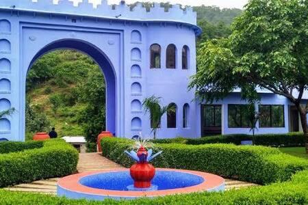 Dera Kumbhalgarh with Deluxe Cottage