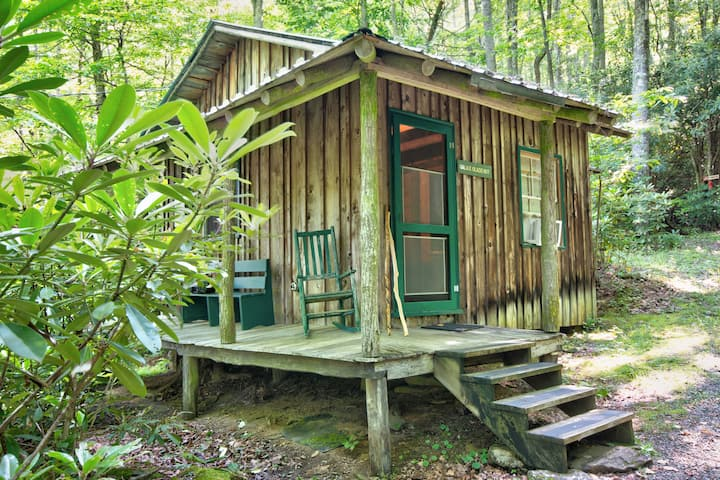 Galax Glade- Tiny Cabin Nestled Beside a Creek